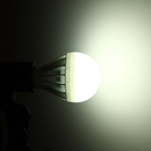 E27 9W 5630 220V 15 LEDs Bulb Lamp Light Super Bright Energy Saving 180 DegreeLED Bulbs &amp; Tubes<br>E27 9W 5630 220V 15 LEDs Bulb Lamp Light Super Bright Energy Saving 180 Degree<br><br>Blade Length: 12.6cm